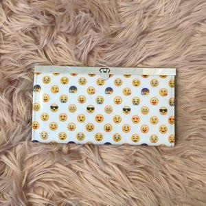 Rue21 Emoji Wallet